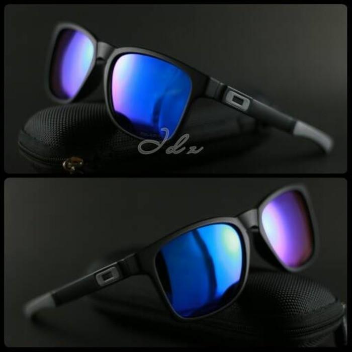 Jual kacamata Oakley Catalyst Hitam Biru lis abu polarised - Sttuf ... 2491426e30