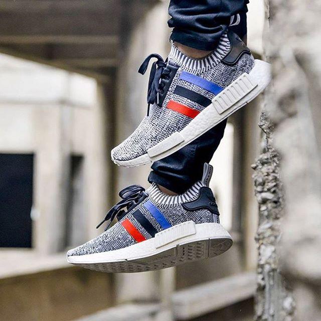 Adidas nmd r1 tricolour pack oreo sneakers pria sepatu jalan premium