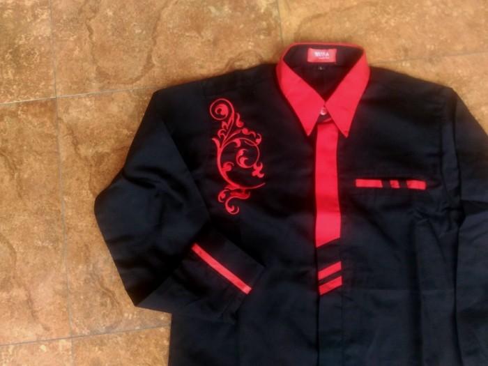 harga Kemeja hem pria slim hitam batik merah lengan panjang drill Tokopedia.com