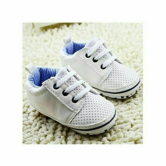 harga Sepatu prewalker bayi laki-laki import carter kets putih tali elegan Tokopedia.com