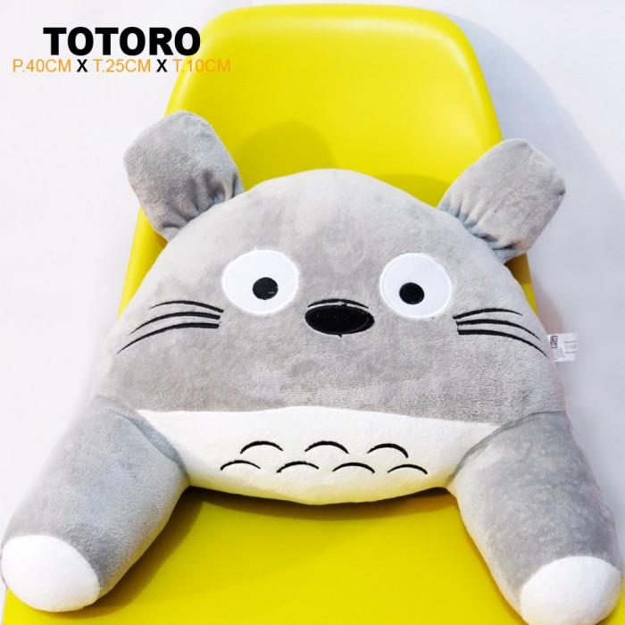Bantal sandaran punggung mobil kursi kantor boneka totoro merchaindise