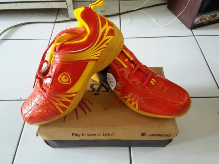 Sepatu Badminton Agnesis 303