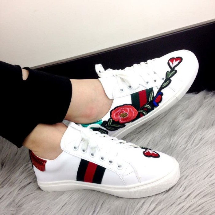 16ad140d9 Jual Sepatu sneakers GUCCI Ace Embroidered Floral 983-31 - Kota ...
