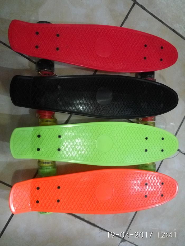 harga Papan skateboard pennyboard penny fish banana skate board anak warna Tokopedia.com