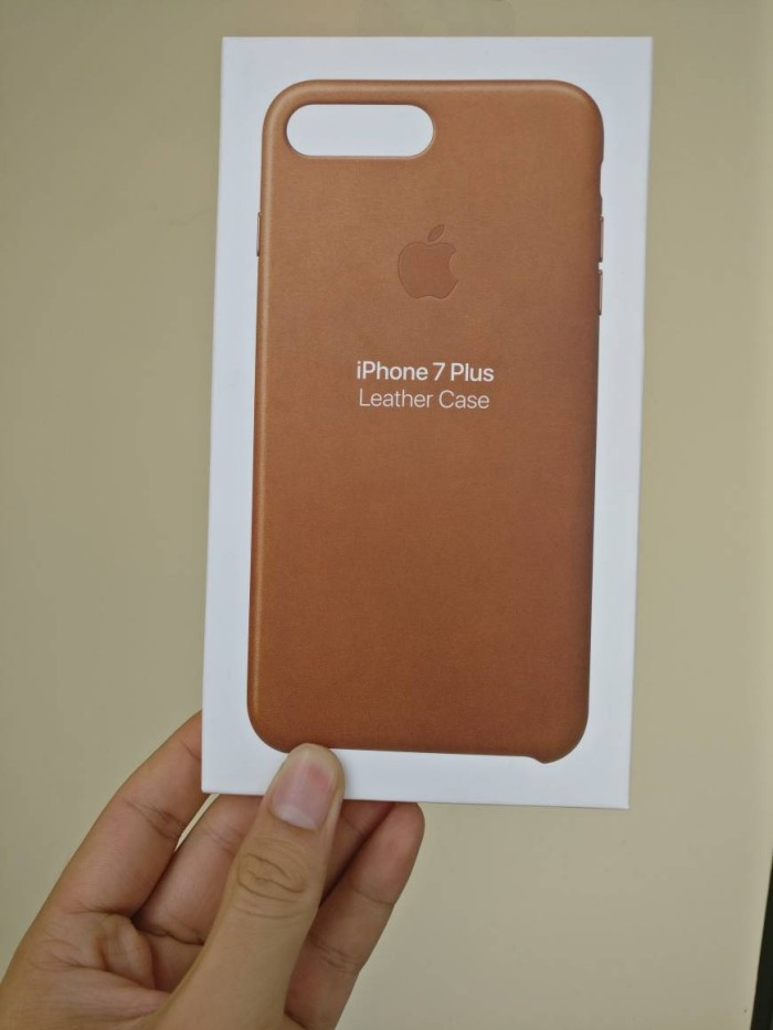 jual iphone 7 plus leather case original apple d 39 gadget. Black Bedroom Furniture Sets. Home Design Ideas