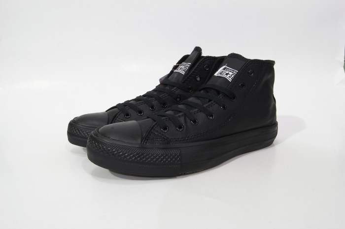 Jual Sepatu Converse All Star Full Black Leather Edition ... 2d214e1981