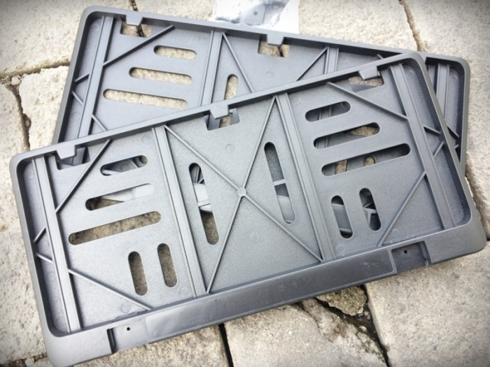 harga New tutup cover frame plastik plat nomor / nopol motor baru 28 x 11 Tokopedia.com