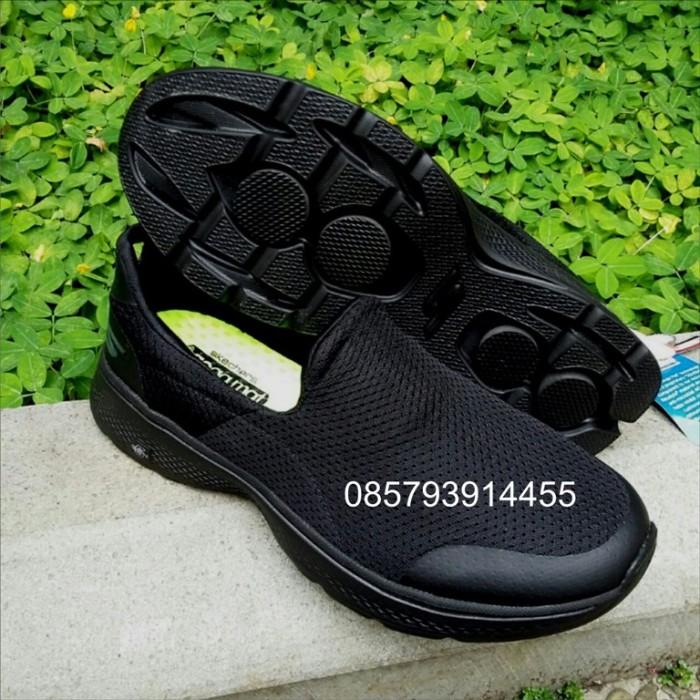 Skechers   sepatu skechers   skechers original   Skechers Men GoWalk 4 -  Hitam c8350d377d