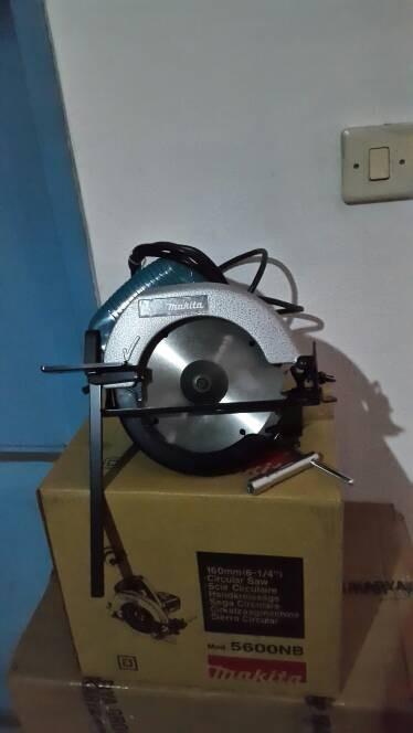 harga Mesin potong kayu / gergaji circular 6-1/4  makita 5600nb Tokopedia.com