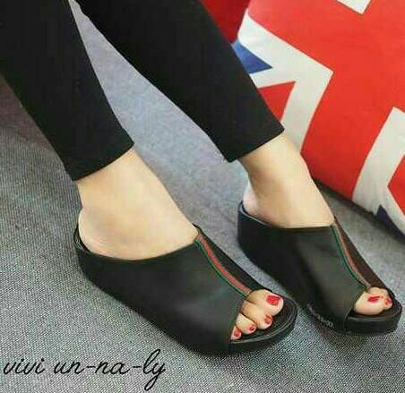 harga Mr81 hitam sepatu sandal sendal wedges cantik dan murah utk wanita Tokopedia.com