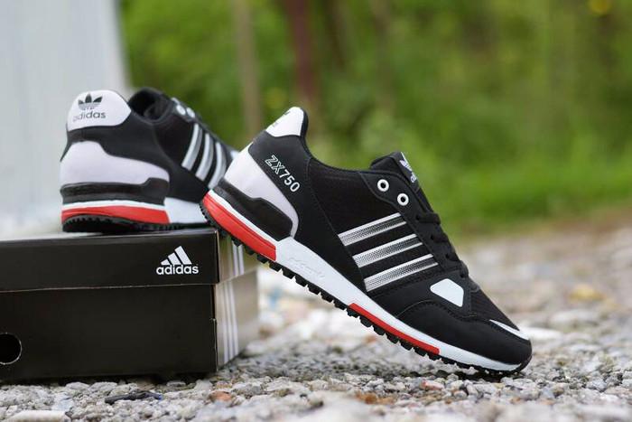 Jual Sepatu Sneakers Casual Pria Adidas ZX 750 Hitam Kombinasi Putih ... b72a0197de