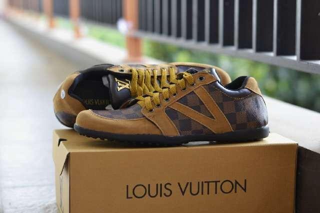harga Sepatu casual pria sepatu lv reggio Tokopedia.com