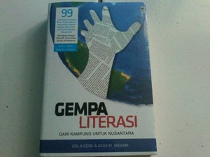 Gempa Literasi (Soft Cover) oleh Agus M. Irkham