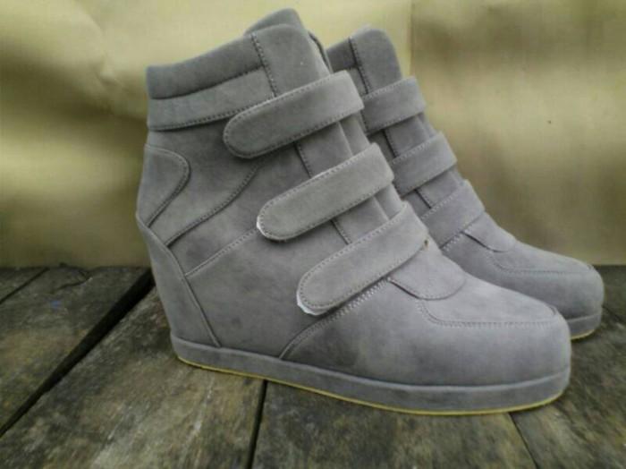 harga Sneaker hidden wedges sepatu wanita boots heels kets nike zumba Tokopedia.com