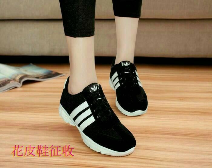 harga Sepatu olahraga adidas hitam putih wanita pria cowok cowo sekolah kets Tokopedia.com