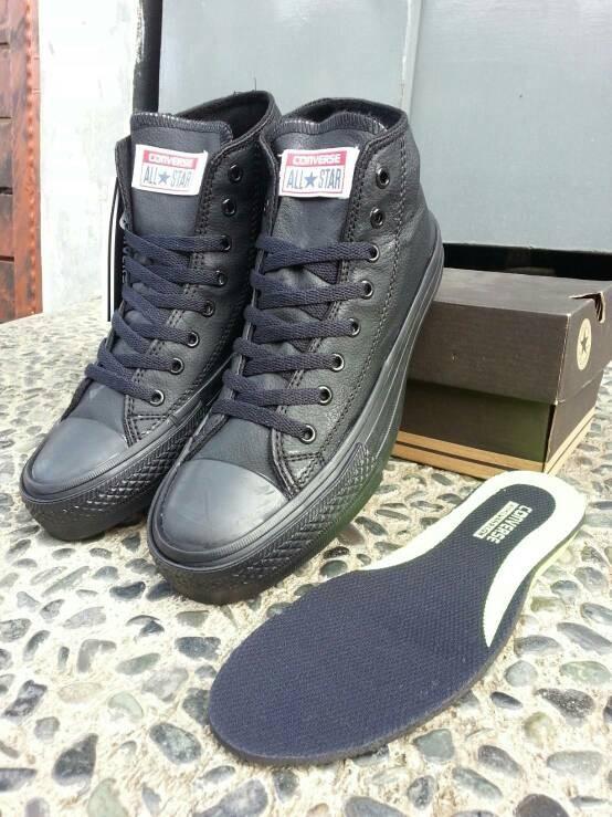 Jual Sepatu Converse All Star Leather Kulit High Full Black Grade ... 2cb434c24