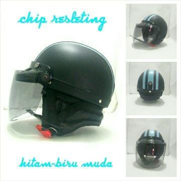 Info Helm Retro Chip Hitam Travelbon.com