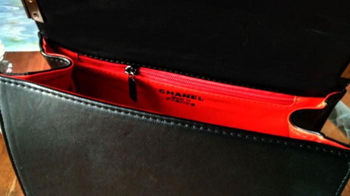 Jual Tas Slempang Rantai Wanita Branded Chanel Boy Mini Warna Mocca ... 65fae3edd8