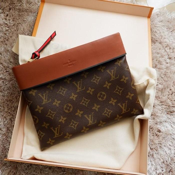 45422f3ac3ac Jual Louis Vuitton LV Clutch Pochette Tuileries - Kota Administrasi ...