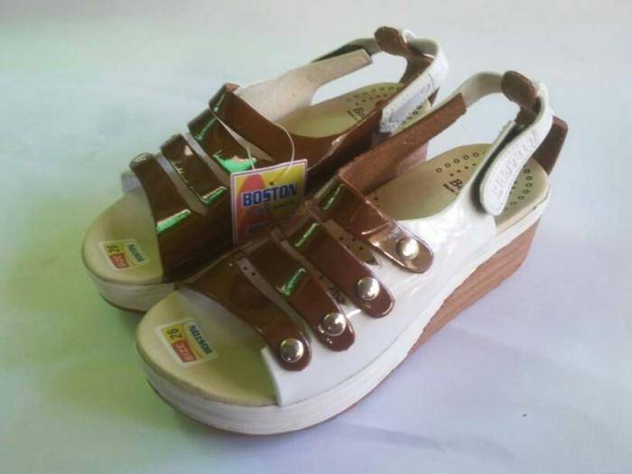 harga Sepatu sandal wedges anak perempuan balita lucu boston coklat putih Tokopedia.com
