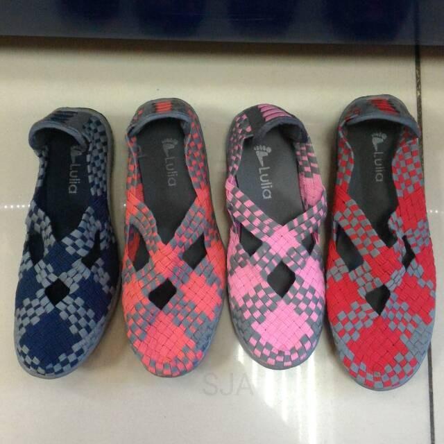 harga Sepatu lulia flat anak perempuan / cewe  bahan lentur & nyaman Tokopedia.com