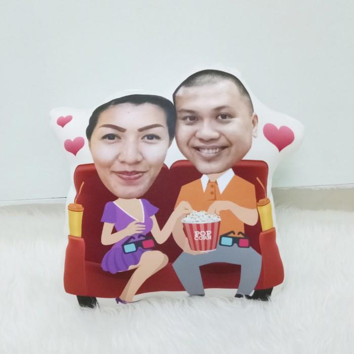 harga Bantal foto karikatur custom - small couple no.9 (35 cm) Tokopedia.com