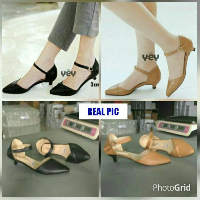 harga Sepatu sandal high heels imut hak pendek kecil 4cm hitam coklat/moka Tokopedia.com
