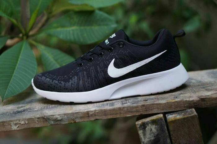 Jual Sepatu Sport Nike  df05dc1504
