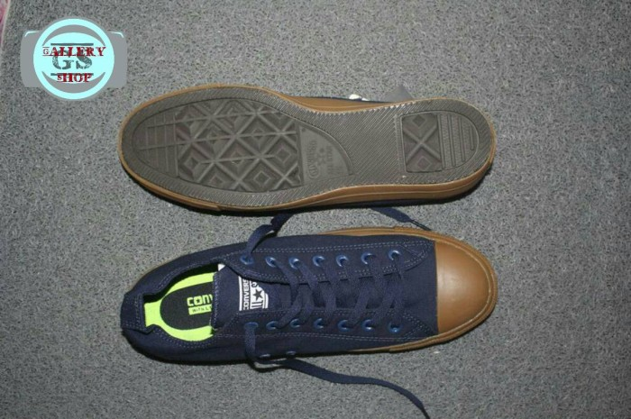 Jual Sepatu Converse Chuck Tailor II Gum Navy Keren Murah Kado Cewek ... 1fb4abd325