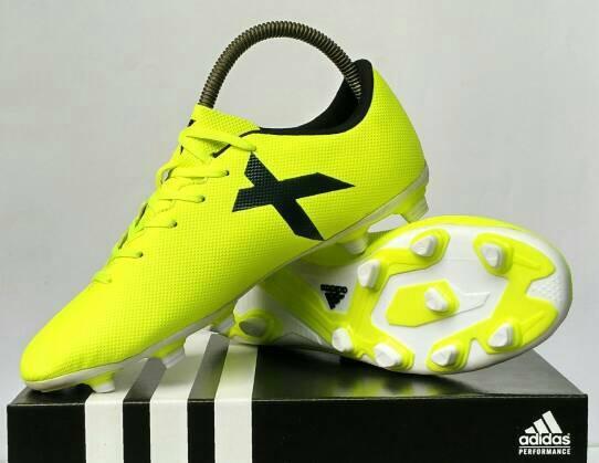 Sepatu Bola   Sepatu Futsal   Soccer   Adidas   Nike   Puma   Olahraga 0aa26fb255