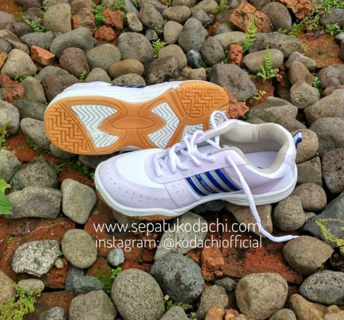 harga Sepatu kodachi ar ukuran 37-43 - badminton volley tennis Tokopedia.com