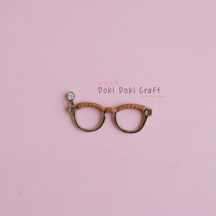 harga Kacamata gold bahan kerajinan charm aksesoris gantungan gelang kalung Tokopedia.com