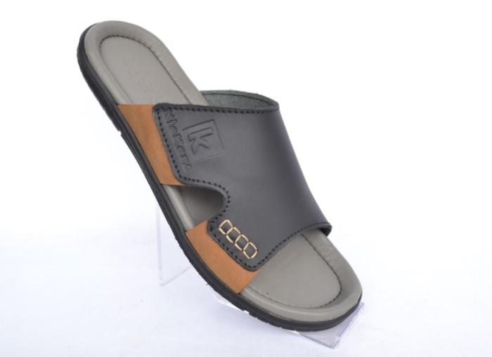 Sandal Kulit Pria Kickers Slip On Grey