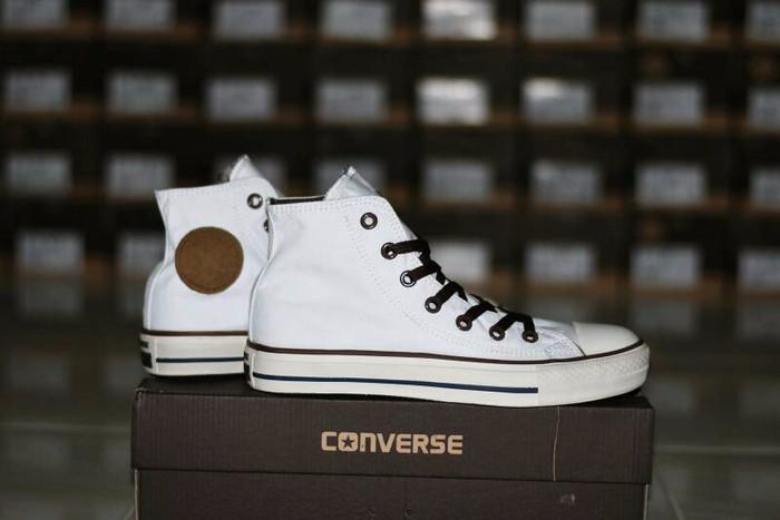 Jual Sepatu Distro Converse All Star Chuck Taylor Classic Sneakers ... 0f7b96b875