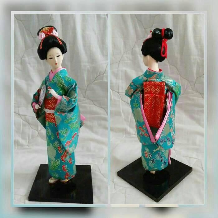 Jual boneka geisha  pajangan jepang  geisha doll  kimono  souvenir ... e5b63e25e2