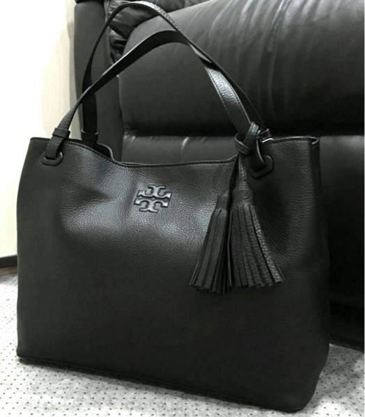 7928e8d3678c Jual Tory Burch Thea Center Zip Tote Black - Luxieholic Official ...