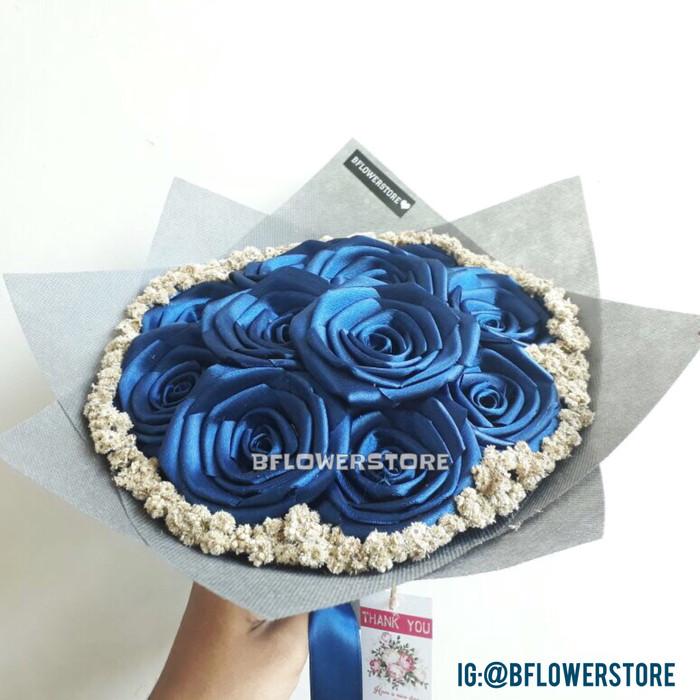 harga Buket bunga wisuda hand bouquet bucket satin edelweis edelweiss Tokopedia.com