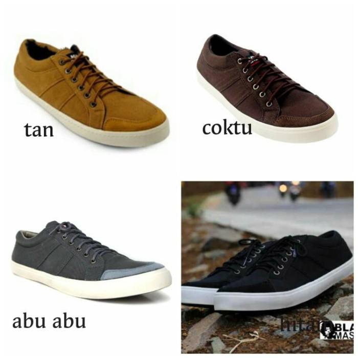 ... harga Sepatu casual pria black master original sneakers kets formal  kerja Tokopedia.com e0a37e0a12