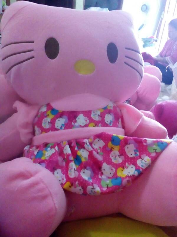 Jual boneka hello Kitty jumbo (bhn yelvo) - Mishell Boneka-karpet ... 32f8f97e1a