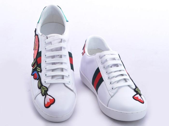 208ea33fcbd Sepatu Gucci Sneaker Ace Embroidered Leather Floral Putih SPS807-40