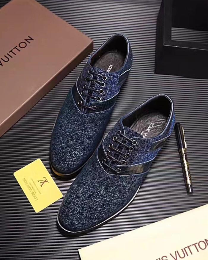 Jual Sepatu loafer sneaker casual pria lv louis vuitton cowok kw ... 982aceb0e2