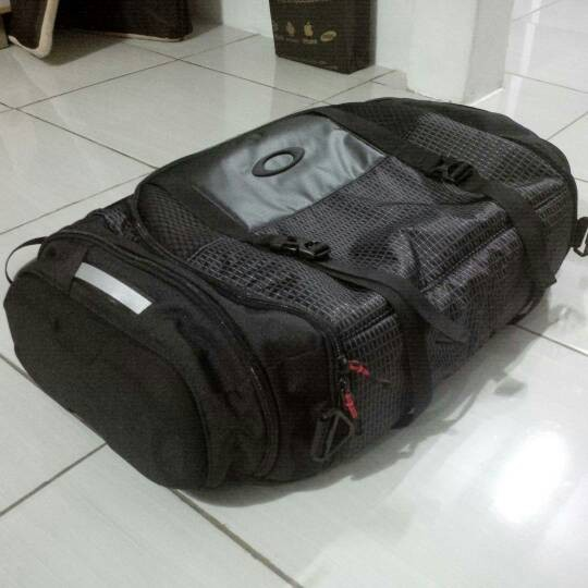 94be744630 Jual Original Oakley Link Duffel Bag   Travel bag - Kota ...