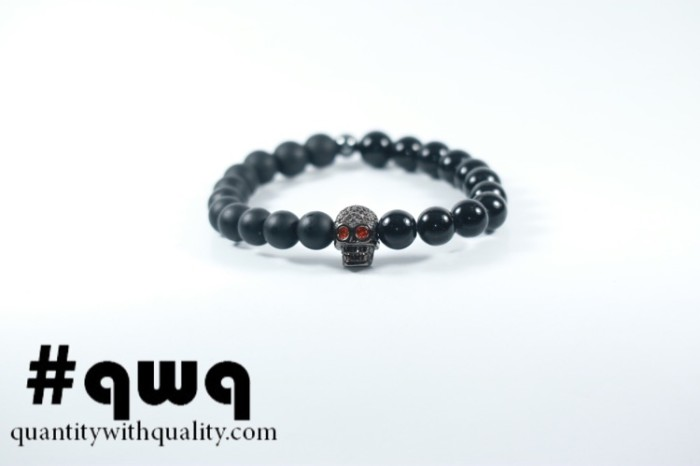 harga Gelang batu premium cowok cewek casual swarovski hitam onyx Tokopedia.com