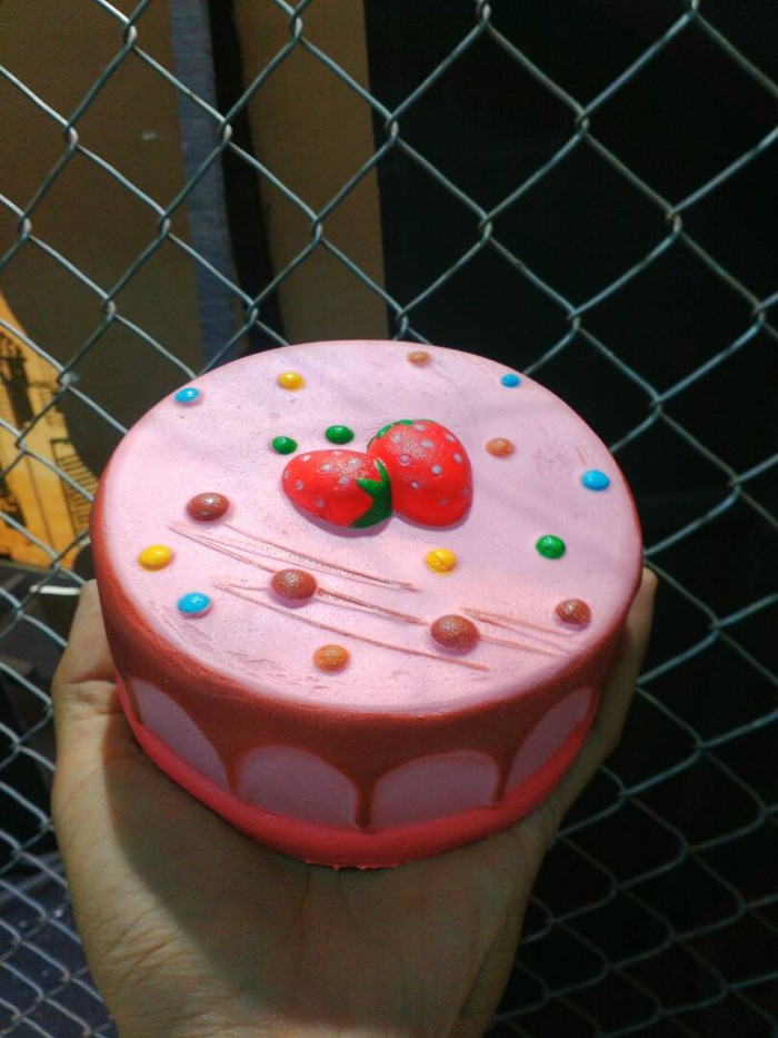 Jual Kue Tart Strawberry Jumbo Squishy Kota Tangerang Dolananmodern Tokopedia
