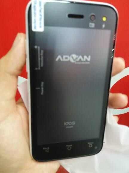 Hp android murah mirip samsung j5 ada kamera blitz advan s4z