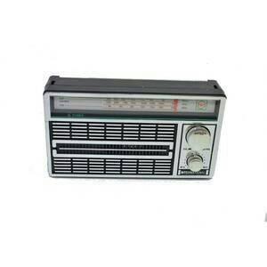 harga Radio portable international jadul 3 band fm-am-sw ac/dc -