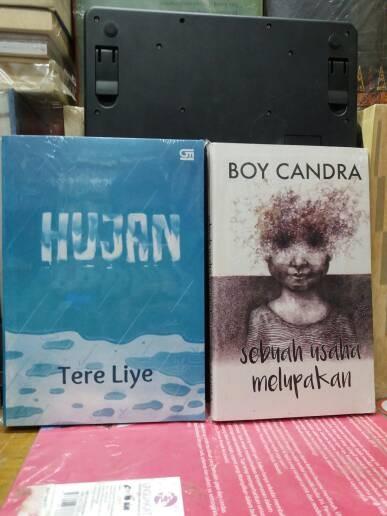 Novel hujan tere liye + sebuah usaha boy candra./1 set 2 buku.