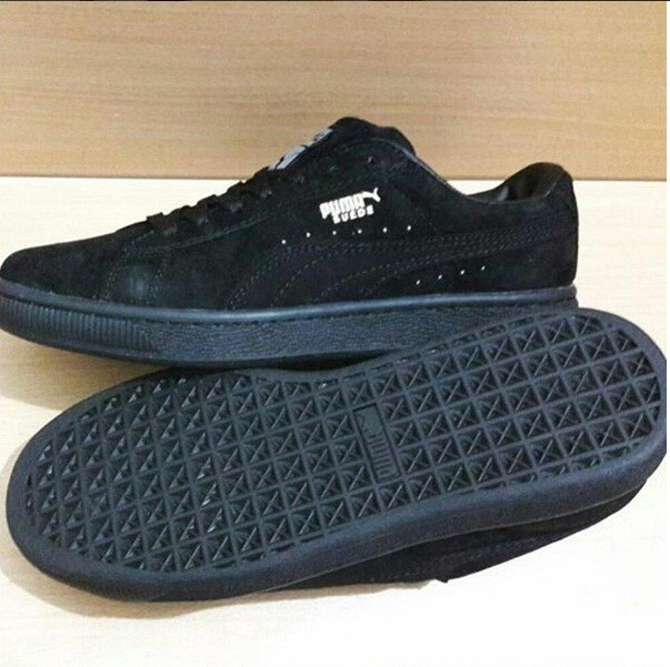 Jual Sepatu Puma Suede Classic Triple Black - Contola Shop  fe7c295d0a