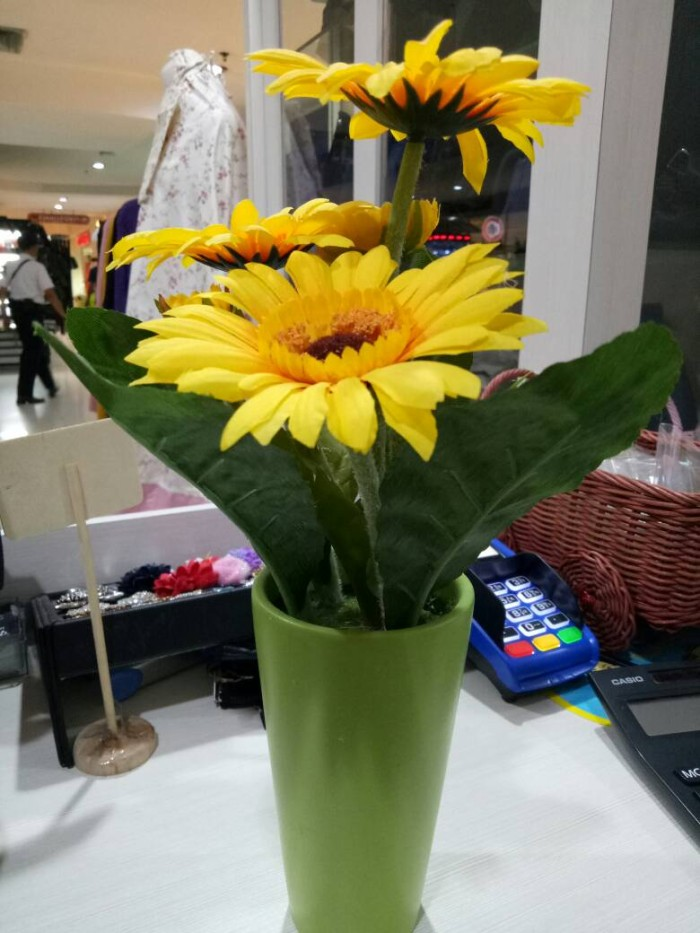 Jual Bunga Matahari Artificial Plus Vas Bunga Shabby Jakarta Selatan Byriana Tokopedia