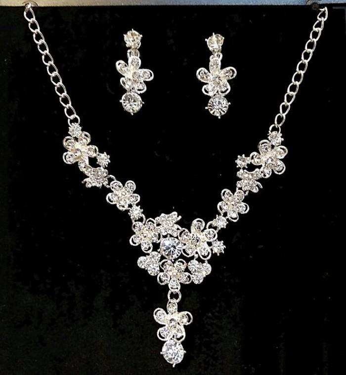 harga Kalung untuk pesta wanita / aksesoris pengantin wedding - kaw 005 Tokopedia.com